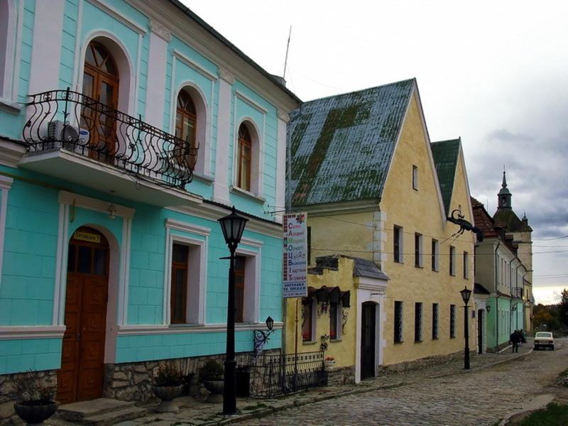 Будинок з драконом, де нині адміністративний корпус Кам'янець-Подільського державного історико-архітектурного заповідника