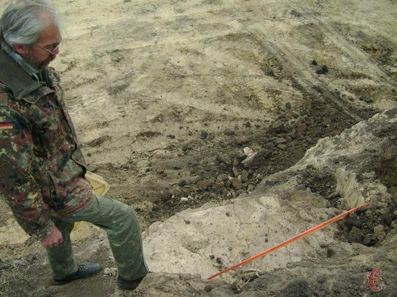 У 2010 році в Лісових Гринівцях знайшли невідомі поховання