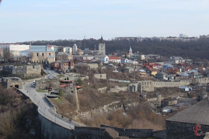 Зручне географічне розташування Кам'янця-Подільського стало головним чинником розвитку його зовнішньої торгівлі