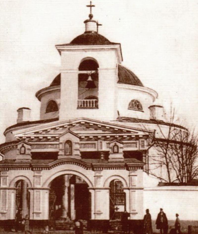 Після зачинення Храм Різдва Богородиці радянська влада перетворила його на склад мінеральних добрив