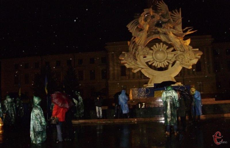 22 листопада 2013 року у Хмельницькому розпочався Євромайдан