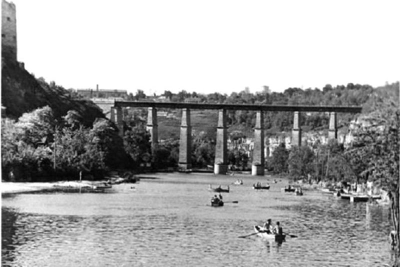 23 червня у 1957 році у Кам'янці-Подільському на Смотричі відкрили пляж та водну станцію з прокатом