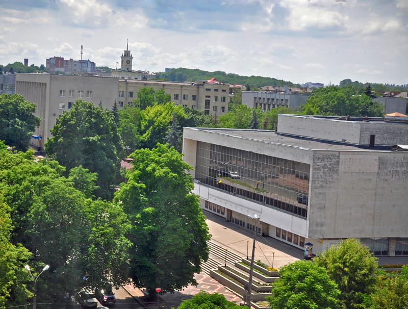 У 2012 році 23 жовтня обласний музично-драматичний театр імені Михайла Старицького отримав статус академічного