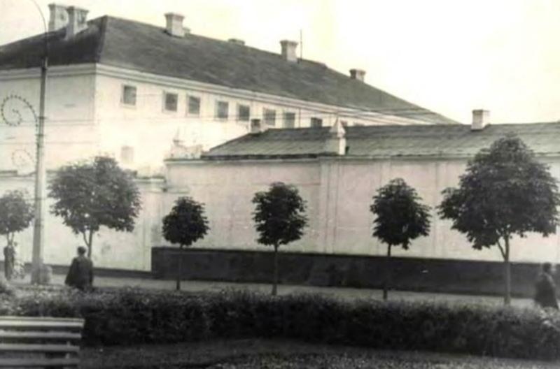 Так будинок хмельницького СІЗО виглядав у радянський період