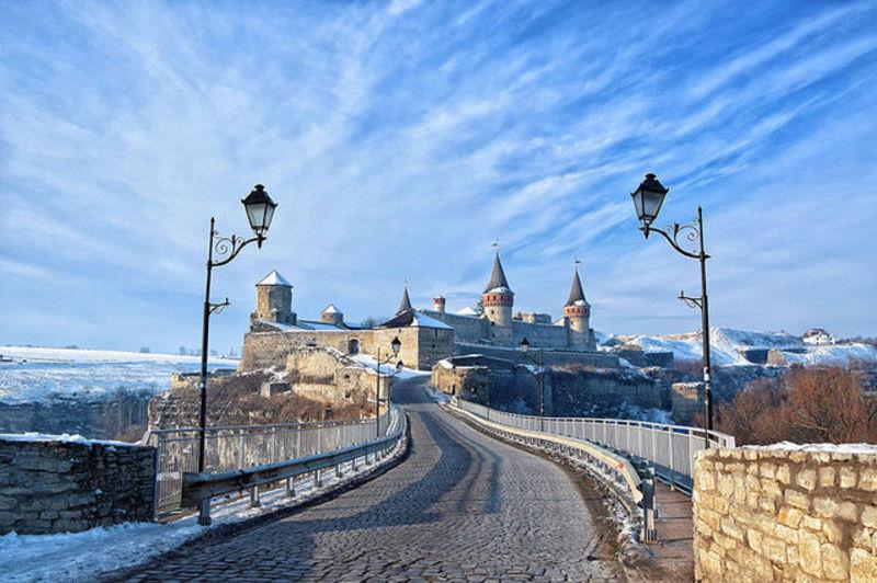 24 листопада 2015 року фотограф з Черкас Сергій Криниця переміг на конкурсі Вікіпедії, зробивши знімок Кам'янець-Подільської фортеці