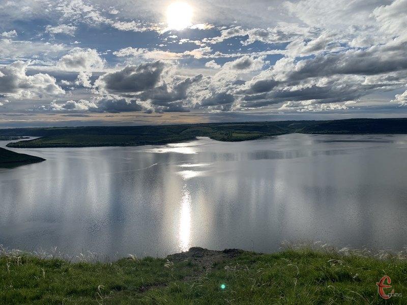 У 1981 році 24 жовтня почалося заповнення Дністровського водоймища