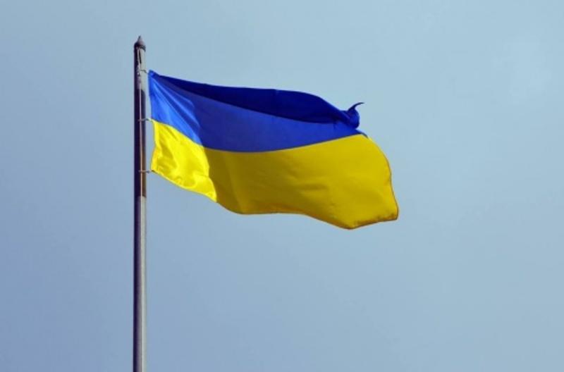 27 квітня 1990 року на Хмельниччині був піднятий перший український національний жовто-блакитний прапор