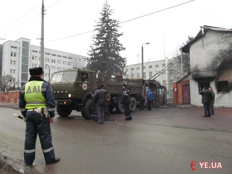 25 тонн зброї, яку вивезли з управління СБУ Хмельницькій області, після подій 19 лютого, передали на баланс військових
