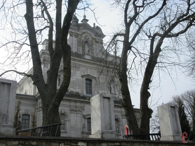 У січні 1990 року у Гвардійському (колишній Фельштин) парафії повернули костел святого Войцеха