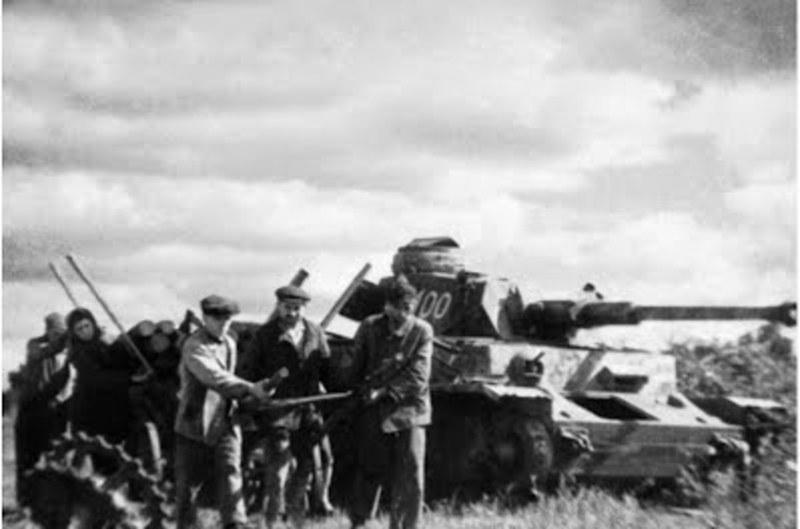 4 липня 1941 року німецько-фашистські війська зайняли Шепетівку