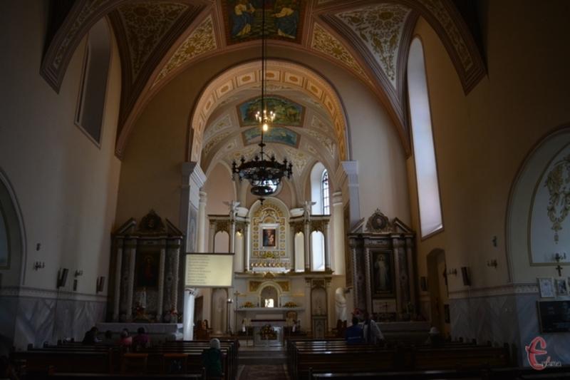 У 1778 році 4 жовтня ікону Летичівської Богородиці було короновано як чудотворну. Зараз вона зберігається у Любліні