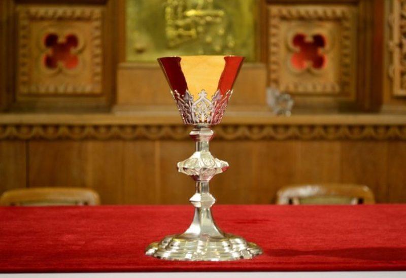 6 січня 2017 року сайт «Є» писав про те, що до католицького храму в Красилові повернули відреставровану чашу, яка зникла майже 100 років тому