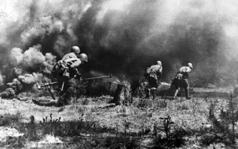 8 березня 1944 року війська 1-го Українського фронту визволили від нацистів Стару Синяву