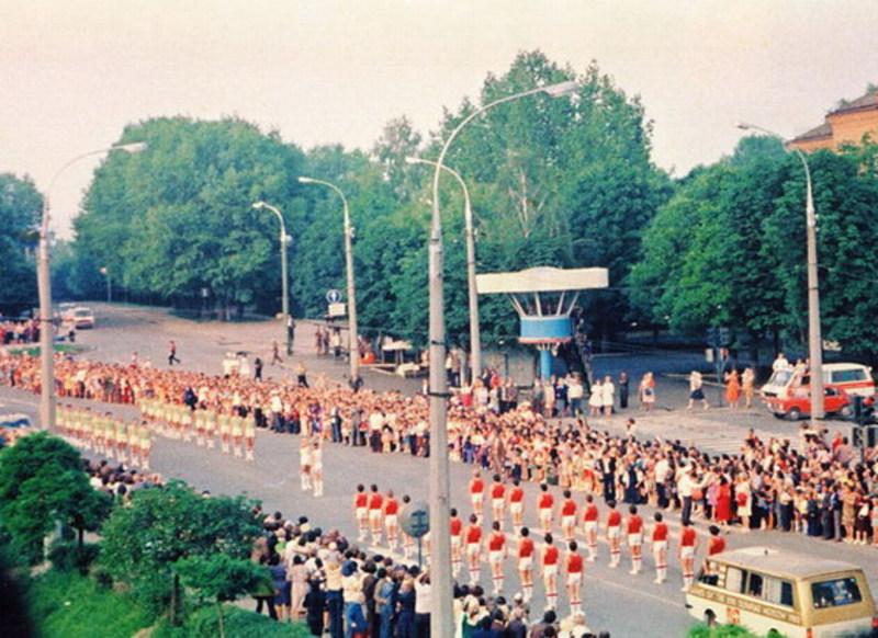 8 липня 1980 року Хмельниччина приймала естафету Олімпійського вогню, що мандрував на ХХІІ Олімпійські ігри