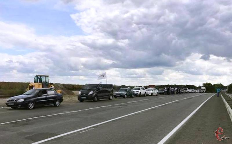 9 вересня 2017 року у Хмельницький завітала автоколона учасників всеукраїнського автопробігу