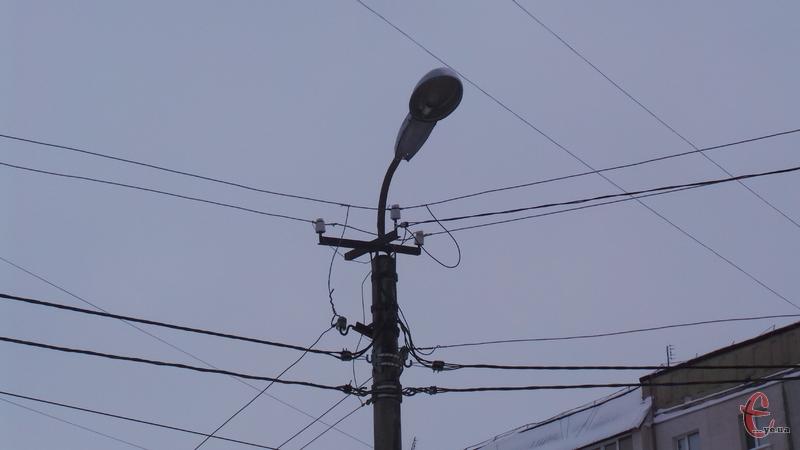 Світла не буде у бидинках на кількох вулицях