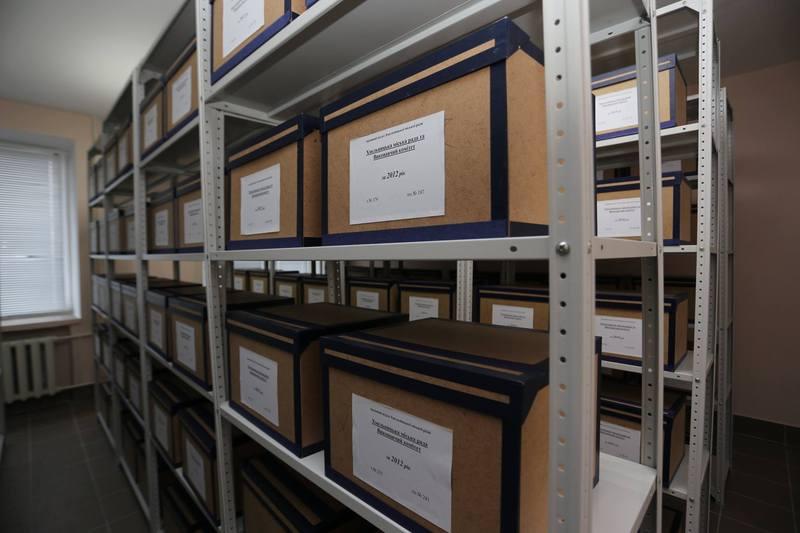 В сховищах архіву дотримується спеціальний температурний режим