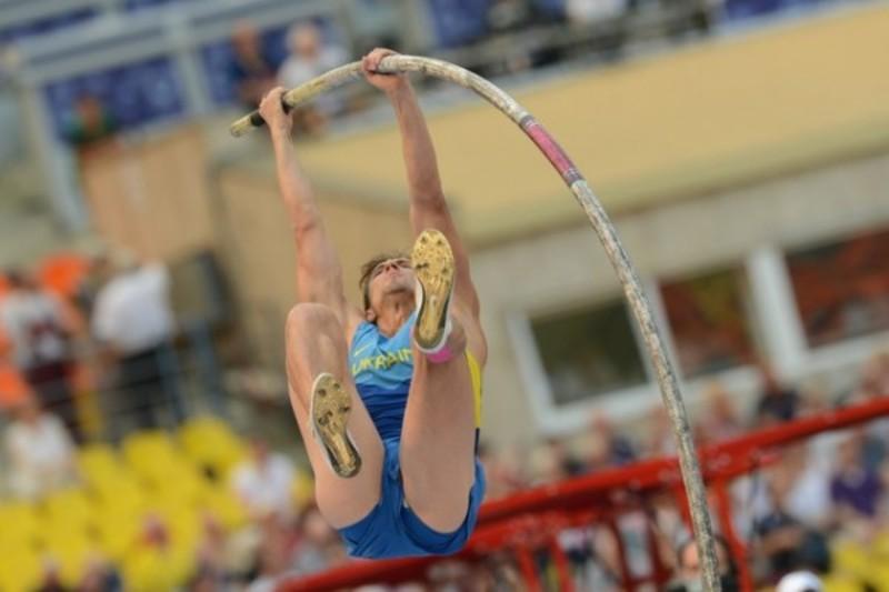 Олександру Корчміду, щоб стати чемпіоном України, довелося підкорити планку на висоті 5,45 метрів