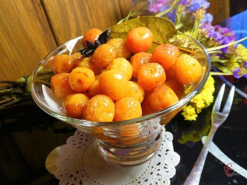 Такі пряні ароматні ягідки зроблять смак будь-якої м'ясної страви набагато яскравішим і пікантнішим.