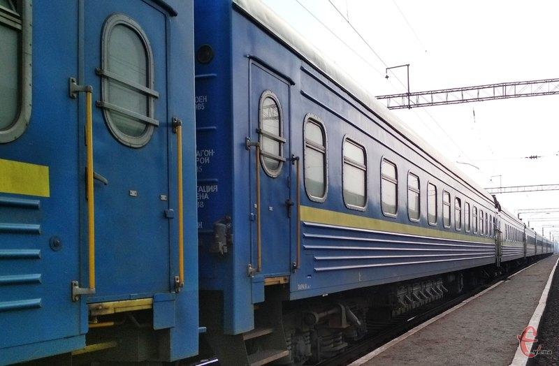 Через Хмельницький пустять додатковий потяг до Чернівців