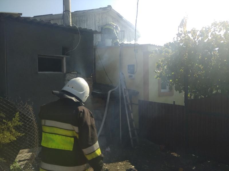 Через дитячі пустощі на Хмельниччині ледь не згорів будинок