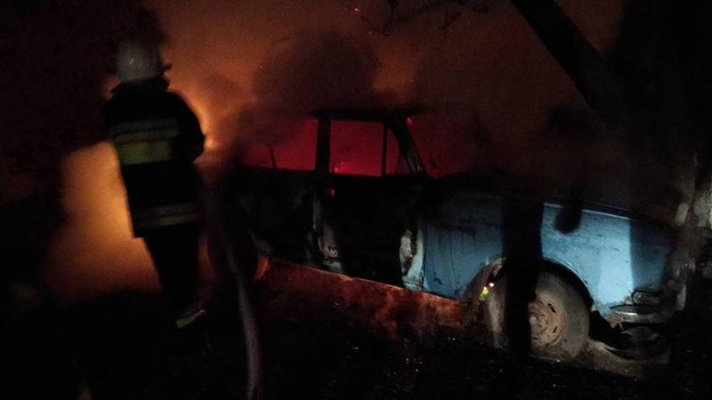 У Кам'янці підпалили автівку