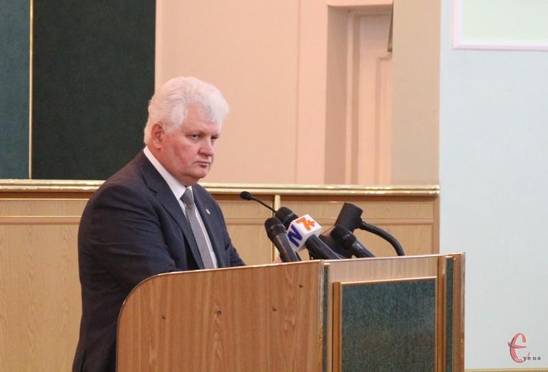 Гендиректору Хмельницької АЕС не дозволили виступати на сесії через російську мову