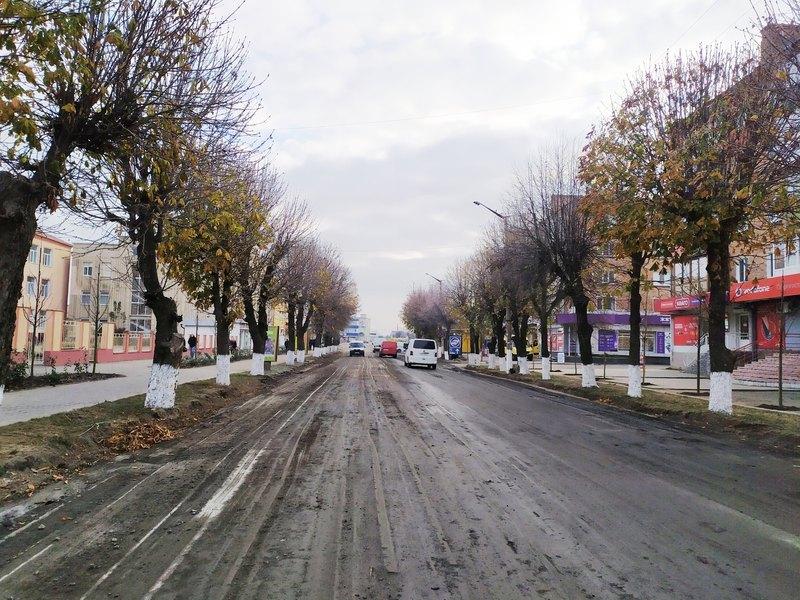 Близько 200 метрів дороги планують розширити приблизно на 5 метрів