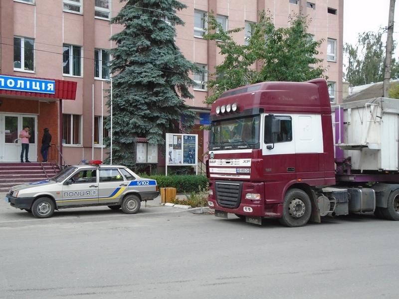 Автомобіль на польських номерах затримали