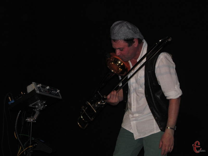 Еліас Файнгерш співав у... тромбон