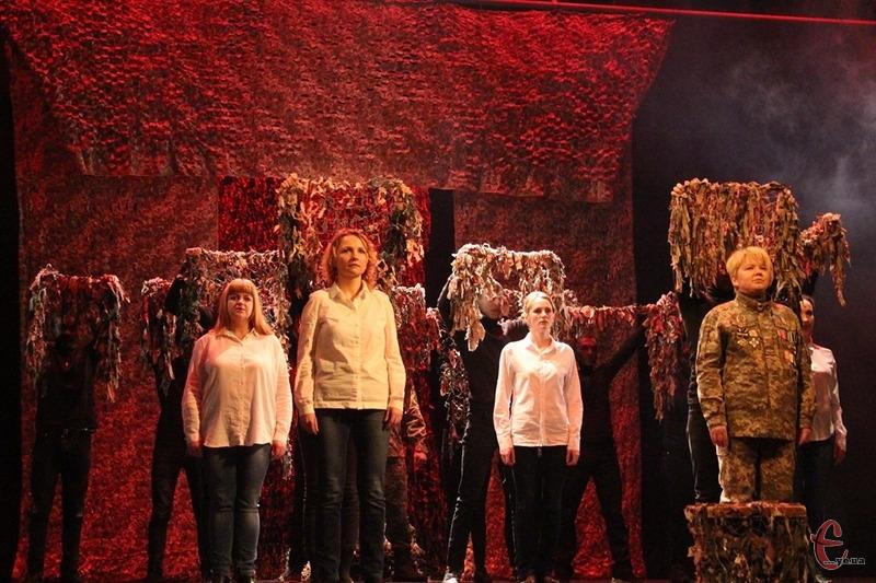 Театралізований проєкт, в якому персонажі розповідають реальні історії про війну, хочуть зробити постійним.