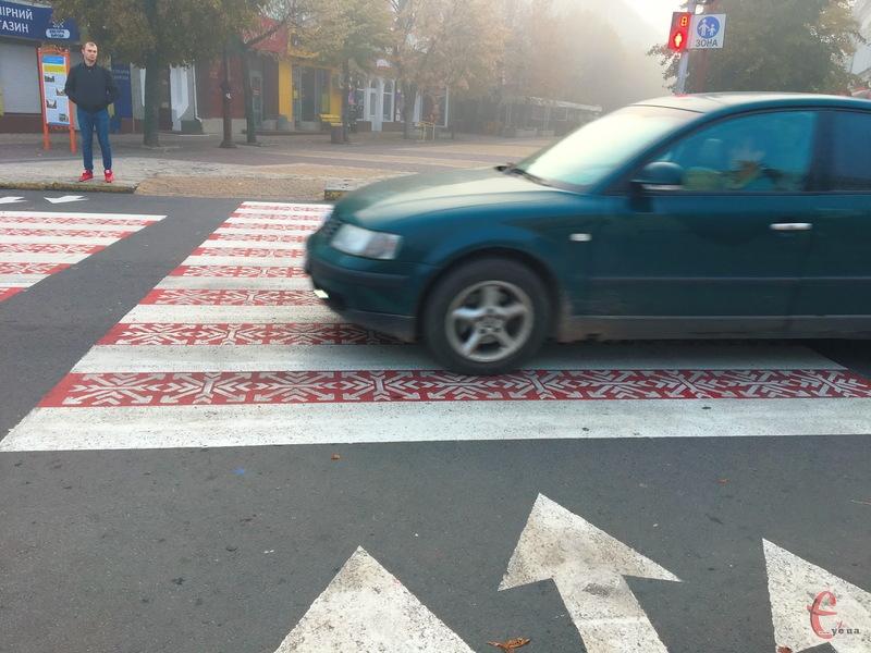 Зебра в центрі Хмельницького з брендом міста поки не счезла, але вже з першими дощами це можливо