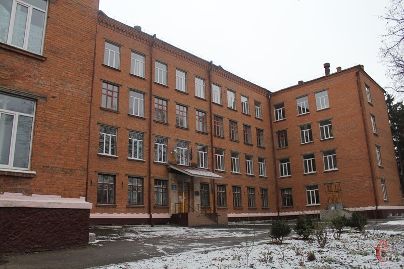 У березні 2020 року набув чинності Закон України «Про повну загальну середню освіту», який передбачає низку нововведень