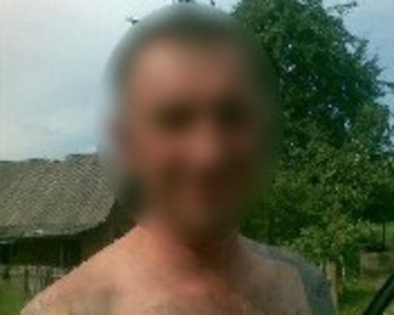 На Хмельниччині поліцейські затримали чоловіка, який смертельно поранив свою дружину і втік з місця вчинення злочину
