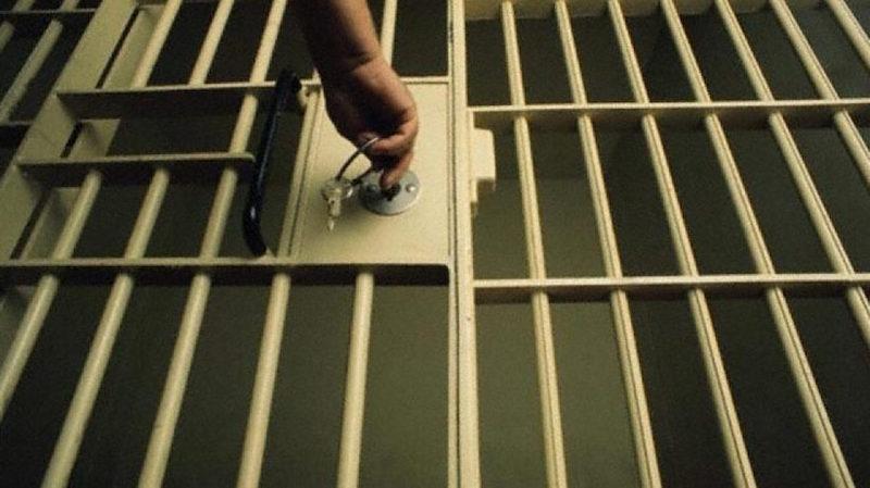 На період досудового розслідування Хмельницький міськрайонний суд взяв чоловіка під варту