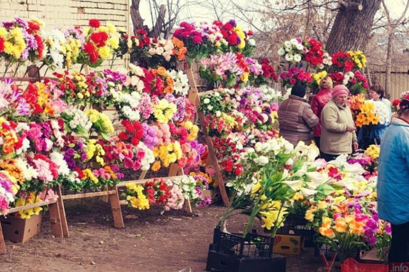 Гарні на вигляд штучні квіти місять чимало шкідливих речовин, які можуть викликати у людей онкологічні захворювання