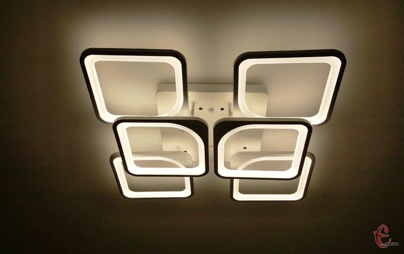 Світла у помешканях хмельничан не буде чотири години