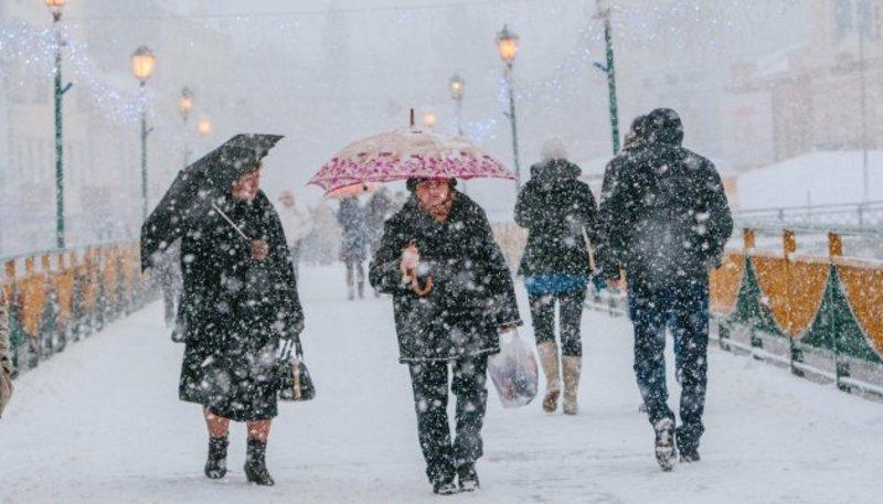 На Україну суне циклон: післязавтра очікують сильний сніг і хуртовини