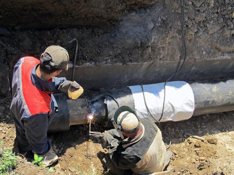 У Жовтневому Кам'янець-Подільського району мають замінити 500 метрів труб гарячого водопостачання