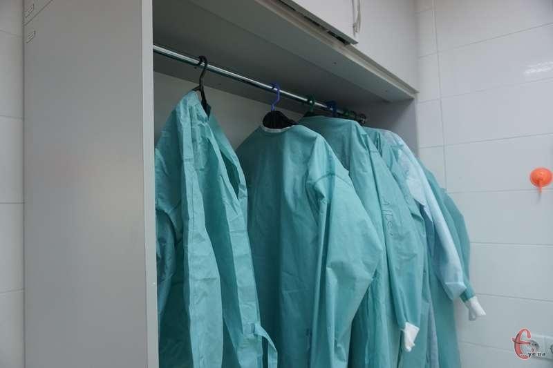 «Ковідних» хворих у Хмельницькому по черзі приймають інфекційна, міська, районна лікарні та госпіталь ветеранів війни