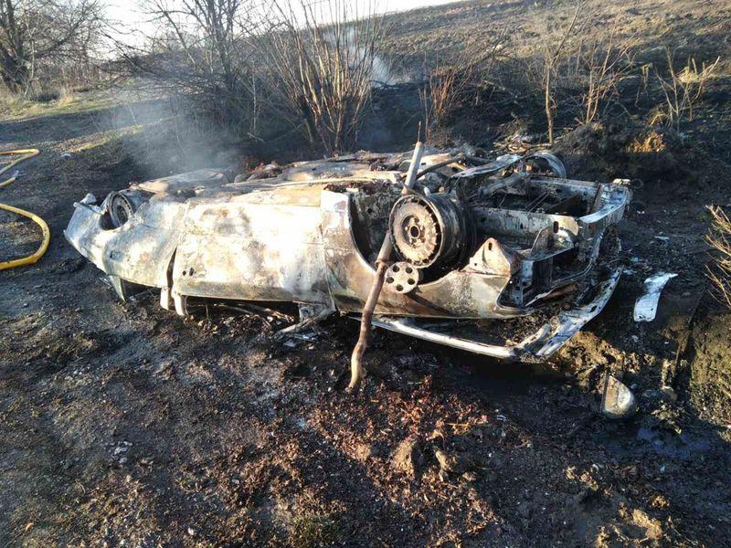 У результаті ДТП автомобіль згорів