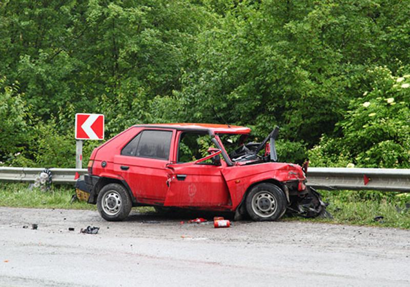Аварія сталася ще в травні 2016 року. Тоді двоє людей зазнали травм