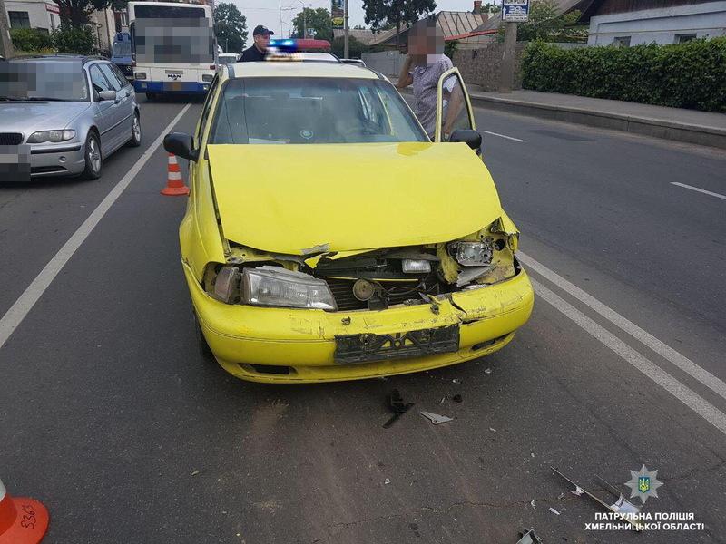 У ДТП з участю автомобіля таксі ніхто з людей не постраждав