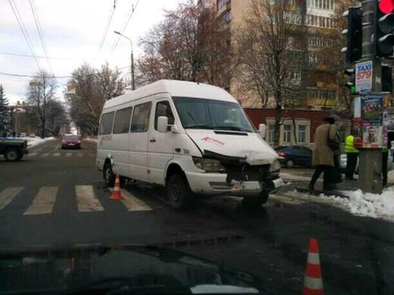 В аварії за участі маршрутки ніхто не постраждав