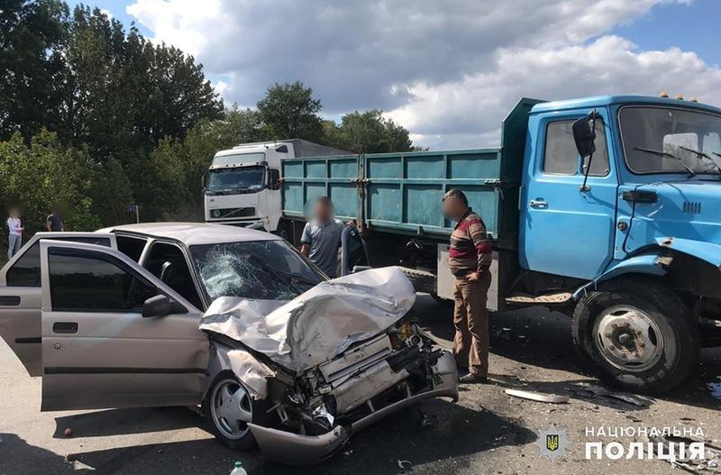 Аварія сталася поблизу села Пирогівці Хмельницького району