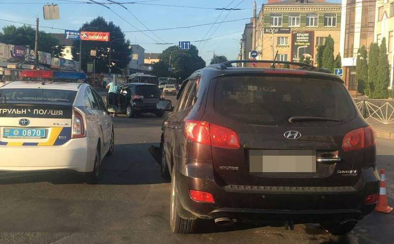 Аварія сталася на перехресті вулиць Кам'янецька – Подільська