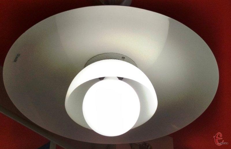 Світла у помешканях хмельничан не буде впродовж шести годин. Фото: з архіву