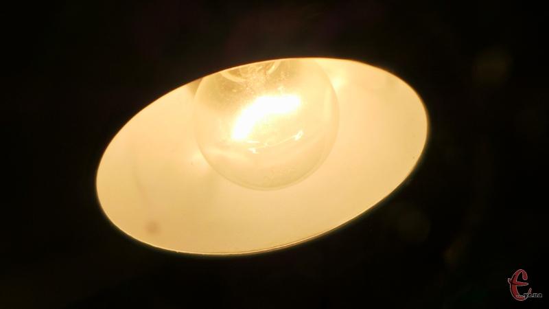 Світла у помешканнях хмельничан не буде близько шести годин