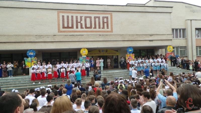 За попередньою інформацією на теренах Хмельниччини понад 14 тисяч дітей піде вчитися у перші класи
