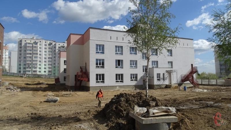 На території Заріччя заплановано у майбутньому побудувати два дитсадки та одну школу